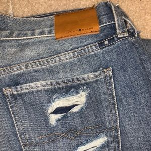Lucky brand ripped slim boyfriend jeans